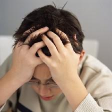 عواملی که باعث تشدید سردرد میشود
