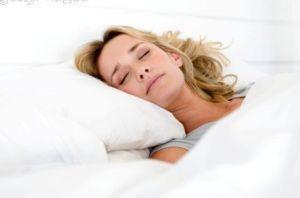 خوابیدن در این ساعات پوستتان را شفاف می کند