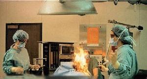 این پزشک بیمار خود را آتش زد