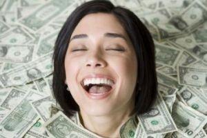 پولدارترین و در عین حال خسیس ترین زن دنیا! +عکس