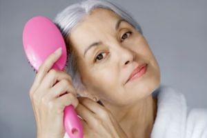 آیا شما هم از سفید شدن موهای خود ناراحت هستید؟!