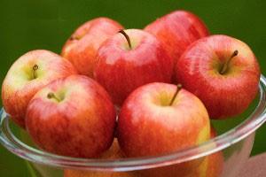 سیب را گاز بزنید و نوش جان کنید