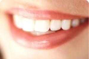از بین رفتن مینای دندان با مسواک زدن غلط
