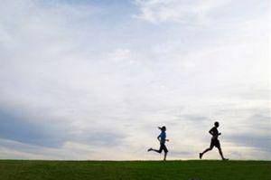 مزایای دویدن بدون کفش برای مفاصل بدن