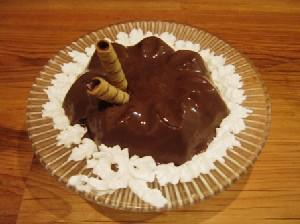 طرز تهیه دسر شکلاتی بسیار ساده و خوشمزه