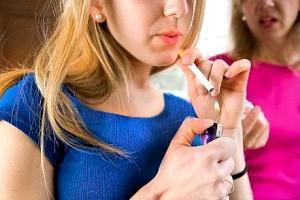 به این شش دلیل نوجوان شما سیگاری میشود