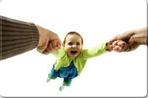 فاصله بین خود و فرزند دلبنتان کم کنید!