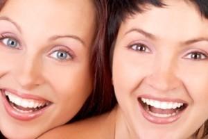 حرکات دختر خانم ها در زمانهای مختلف (فقط بخندید)