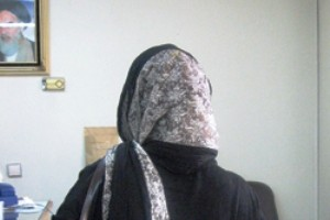 این زن شوهرش را با شال خفه کرد!