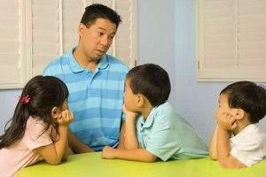 این جملات مخرب را هرگز به کودک تان نگویید