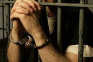 قتل زن زندانی در هنگام  ملاقات با همسرش