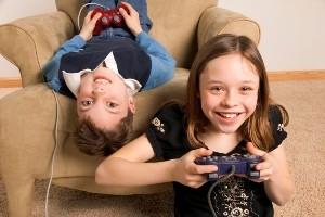 مراقب بازیهای رایانه ای برای کودکتان باشید