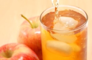 آب میوه ای که کلسترول خون را پایین می آورد