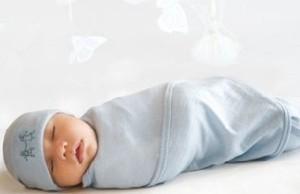 آیا قنداق کردن نوزاد خوب است؟