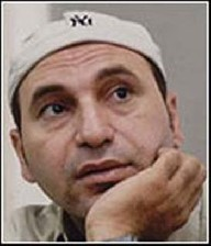حمله اراذل و اوباش به بازیگر مشهور ایرانی (عکس)