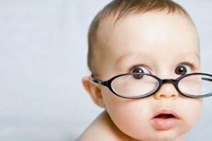 آیا کودکتان مایل به عینک زدن نیست؟