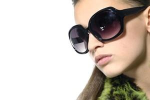 عینک آفتابی بزرگ یا کوچک،کدام مناسب ترن؟