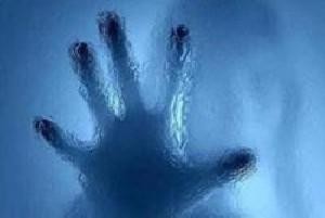 تلاش پنج دختر دانشجو برای آزار جنسی یک پسر جوان!