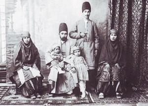 100 سال قبل ایرانیان چه لباسی میپوشیدند؟ (تصویری)