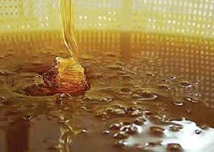 تفاوت عسل طبیعی با تقلبی