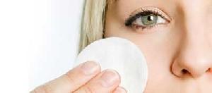 با این روشها پاک کننده طبیعی آرایش بسازید