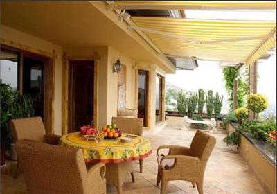 عكس از خانه ای زیبا در لواسان
