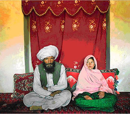 عكس ازدواج مرد 60 ساله و دختر 13 ساله