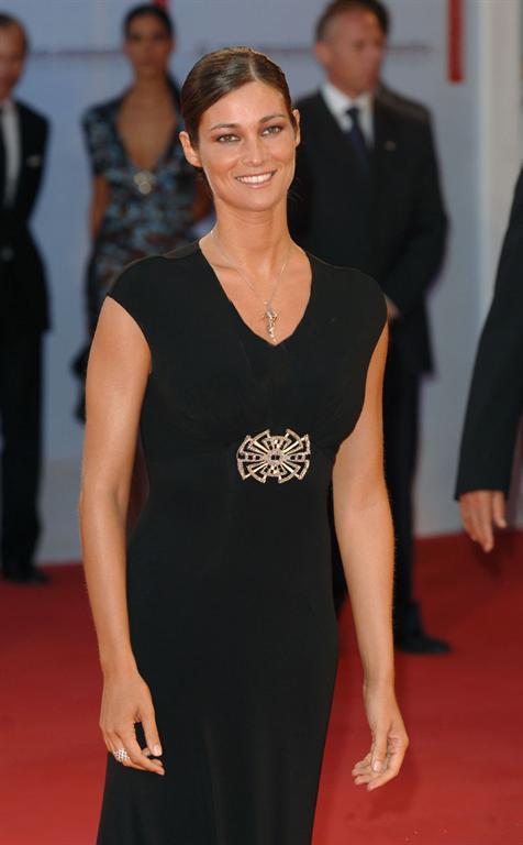 بیوگرافی مانوئلا آرکوری(manuela arcuri) مانکن و هنرپیشه معروف ایتالیایی!،irannaz.com