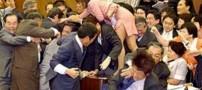 دعوا بین نماینده زن و نماینده مرد در مجلس ژاپن