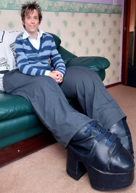 عكسهایی از مردی با پاهایی بیش از 110 کیلو گرم