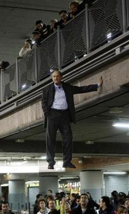 گزارش تصویری رویترز از عجیب ترین های سال 2009