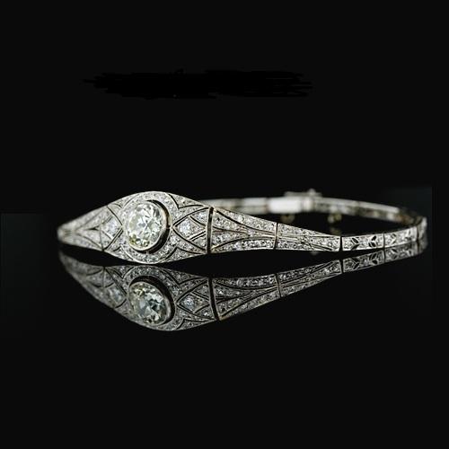 گوشواره ، دستبند و گردبندهای جواهرنشان!