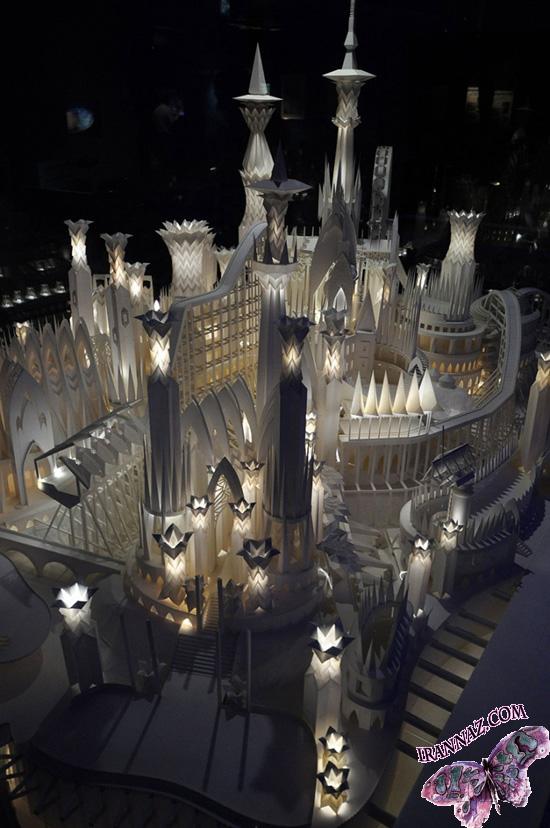 عکسهایی از قلعه شگفت انگیز ساخته شده با كاغذ!