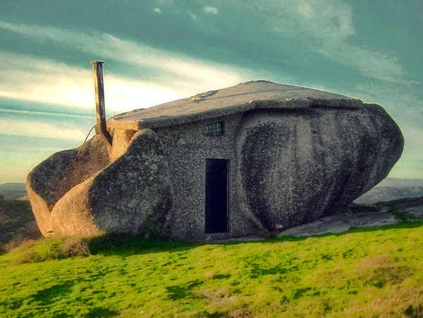 عکسهای خانه ای ساخت شده در تخته سنگ