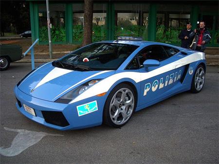 عكسهای 10 ماشین پلیس با حال و عجیب