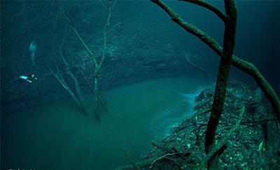 عکسهایی از رودخانه ای زیر دریای مکزیک ، www.irannaz.com