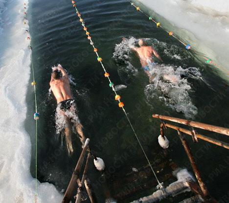 عکسهایی از مسابقه شنا در آب های یخ زده