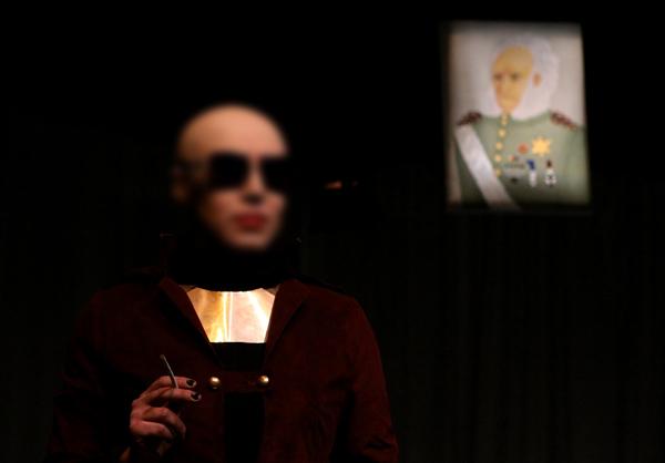 تئاتر منحرف جنسی در تهران!! (+تصاویر)