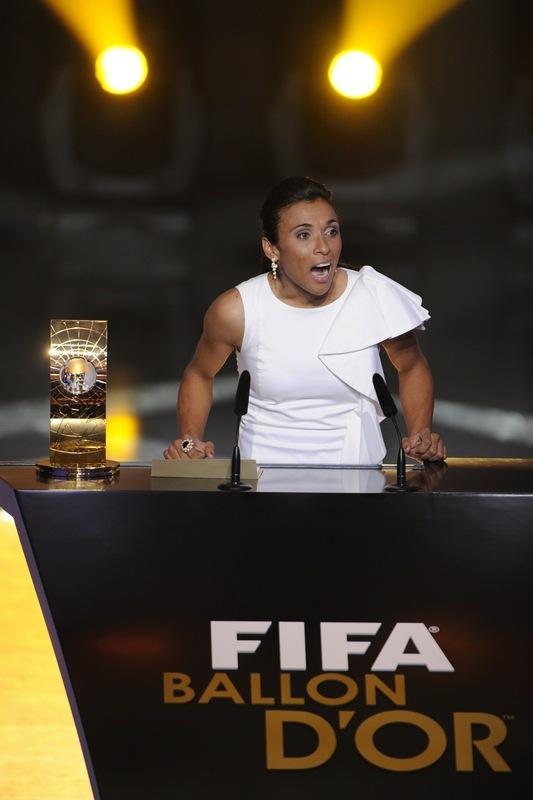 عکسهای برترین بازیکن فوتبال زن در سال 2010