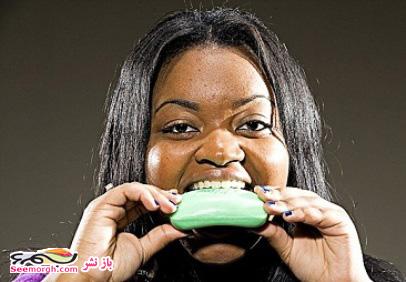 اعتیاد یک دختر به خوردن صابون و پودر لباسشویی