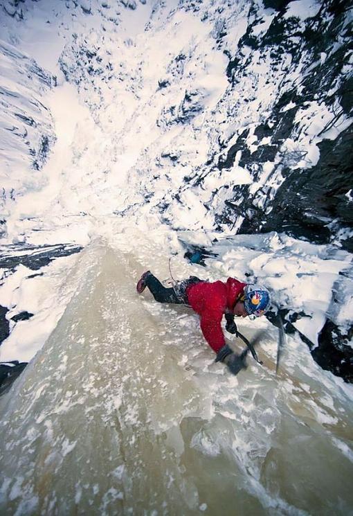 عکسهای صعودی باورنکردنی از آبشاری یخ زده