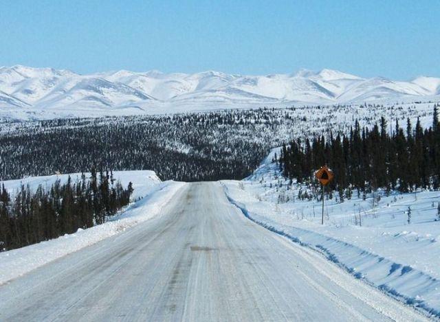 رودخانه ای که در زمستان به جاده تبدیل می شود !