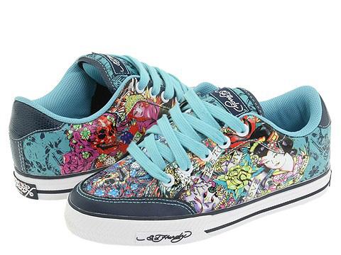 مدل کفش های کتانی دخترانه 2011