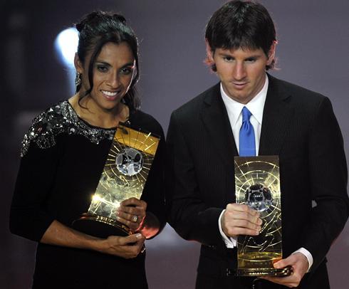 مشهورترین فوتبالیست زن جهان (+عکس)