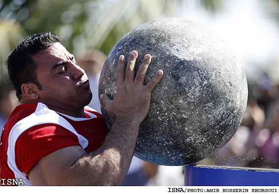 عکس هایی از مسابقات قویترین مردان جهان