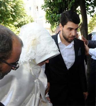 ازدواج خواهرزاده احمدی نژاد با دختر تاجر ترک