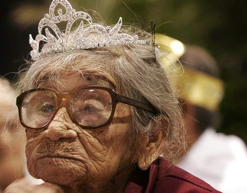 انتخاب پیرزن 104ساله به عنوان ملکه زیبایی (+عکس)