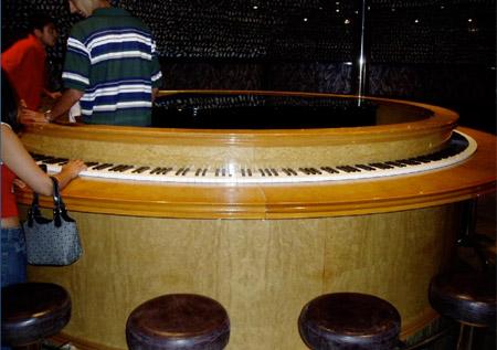 زیباترین و جالب ترین مدل های پیانو در جهان
