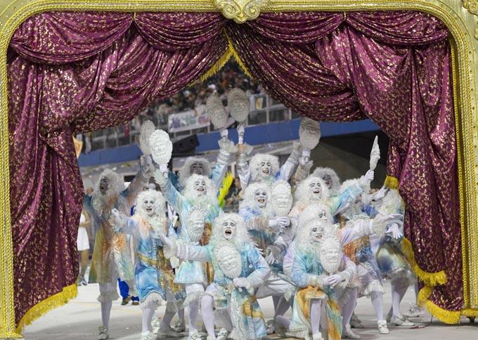 عکس های بسیار دیدنی از جشن شادی در برزیل