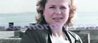 زنی مو طلایی که از آب گل آلود نهنگ گرفت !!